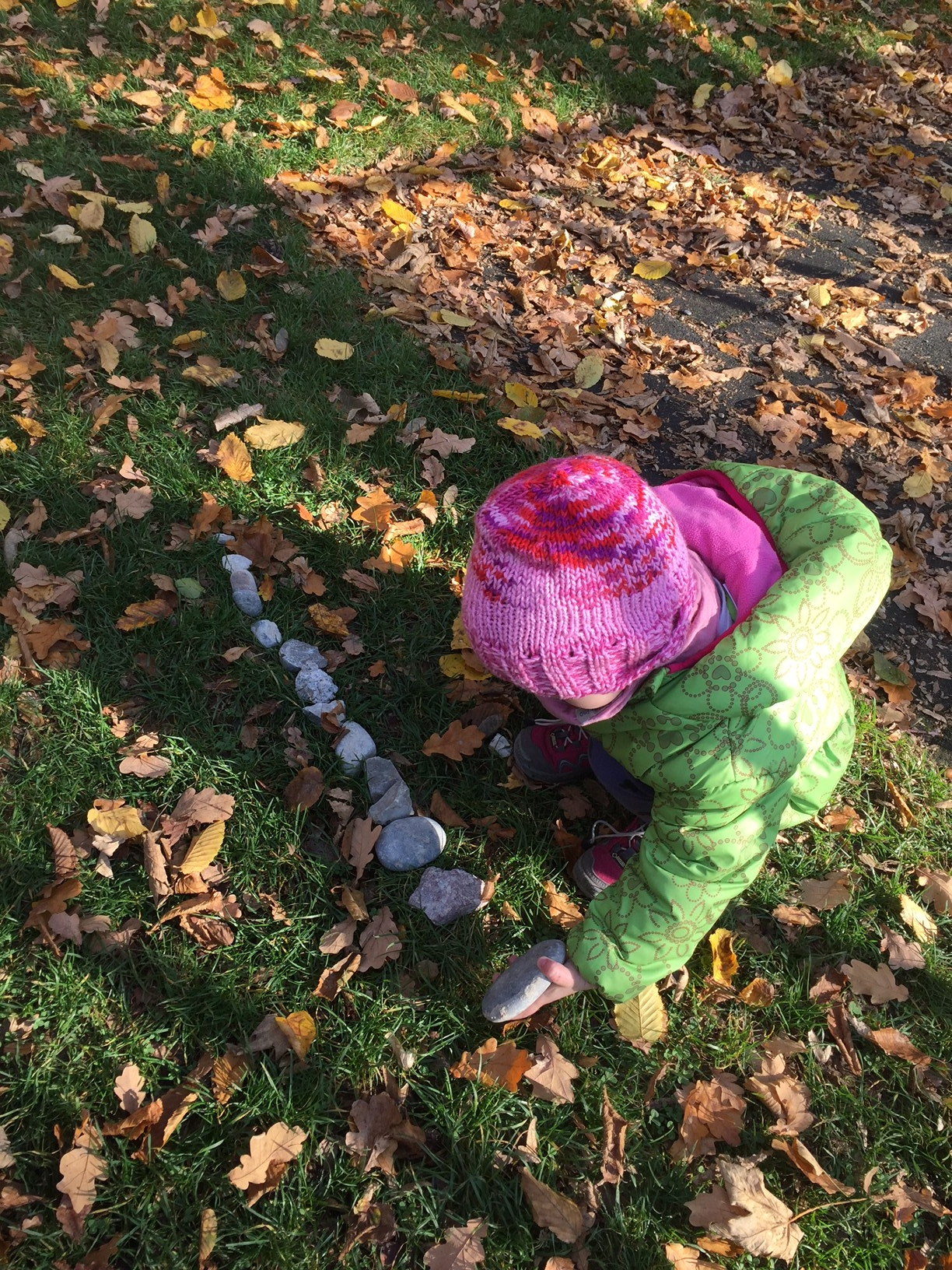 5 activities to do on a nature walk with your kids - Children First ...