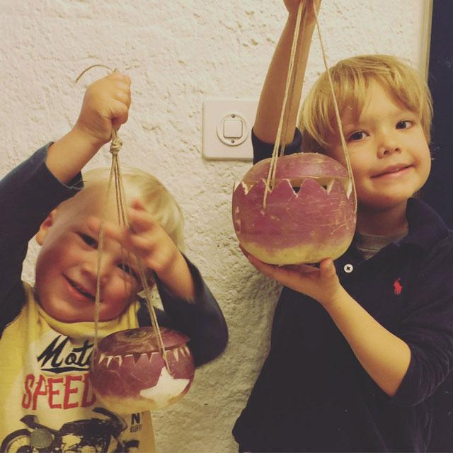 Räbeliechtli Schnitzen / Turnip Carving